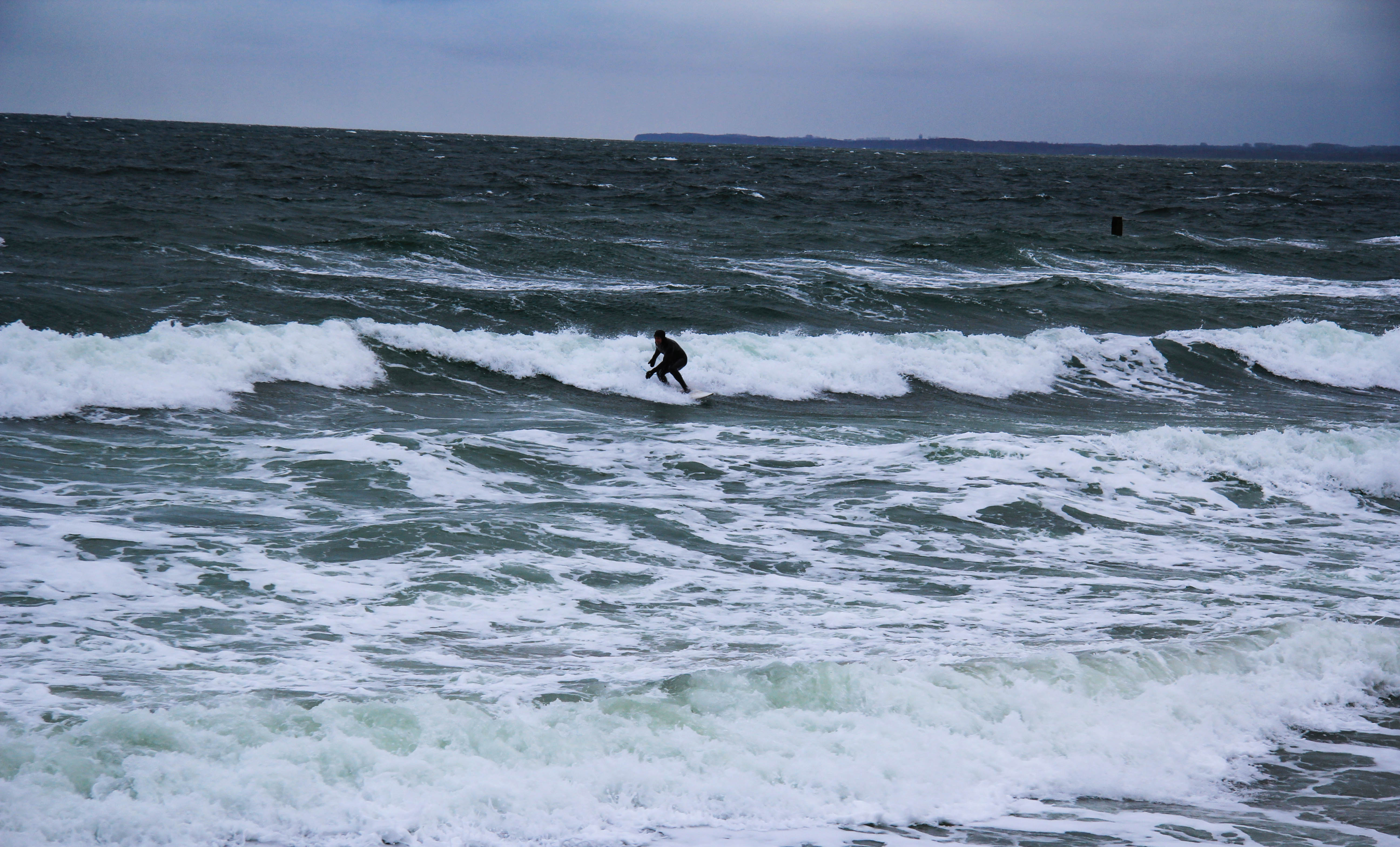 Timmendorfer Strand Surfer bei 3 Grad