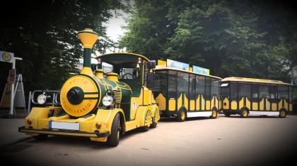 Von Mai bis September wartet auf Gäste und Einheimische wieder die Bimmelbahn, die zwischen Timmendorfer Strand und Niendorf/Ostsee pendelt.