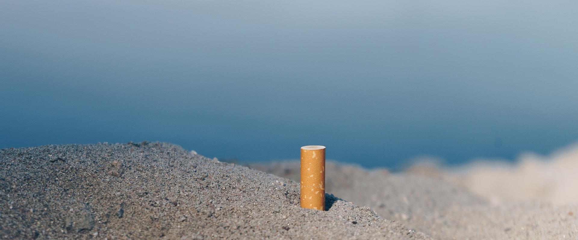 Filter im Sand schädigen die Umwelt.