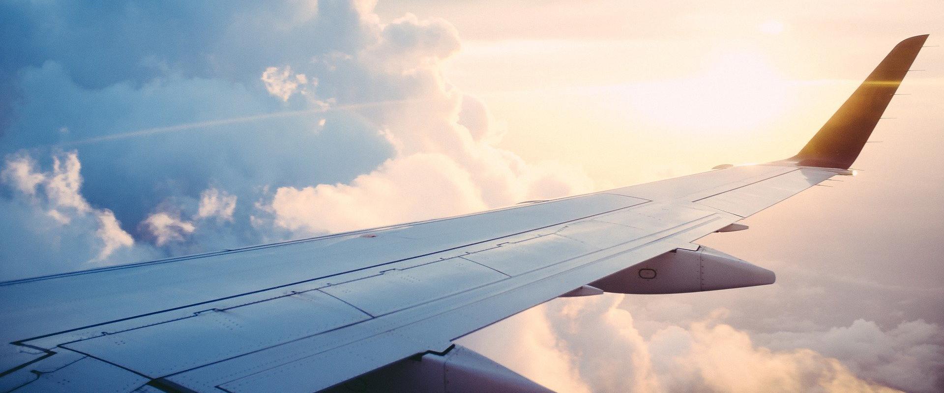 Flugzeuge fliegen wieder ab Lübeck